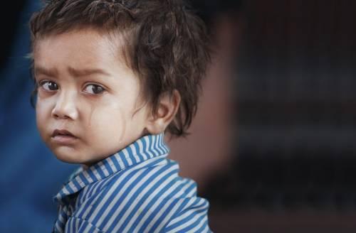 Ребенок в слезах