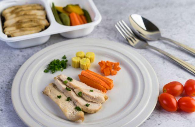 Скромный обед человека на диете