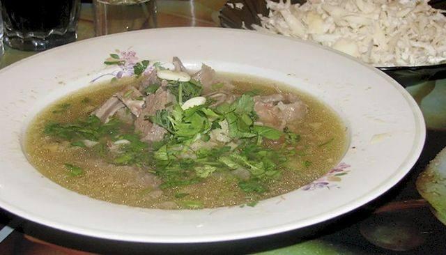 Суп хаш в тарелке от похмелья