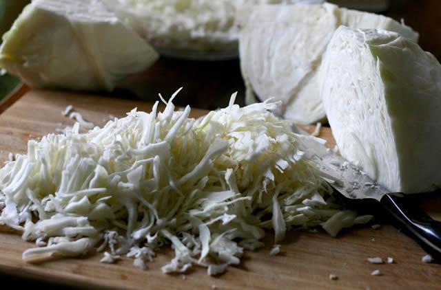 Нарезка белокочанной капусты для квашения