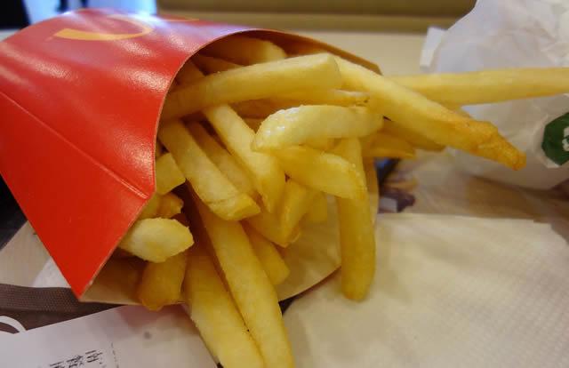 Жаренная картошка из Макдональдса