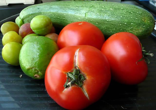 Томат, лимон, кабачок и другие овощи