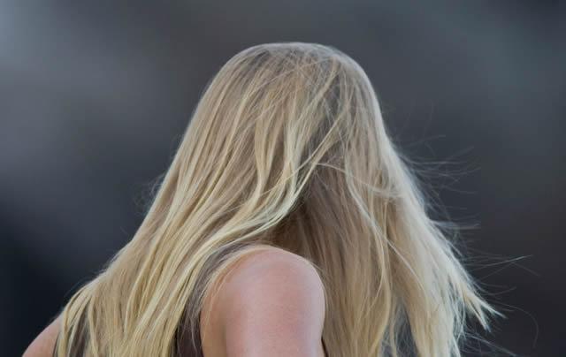 Здоровые волосы на ветру