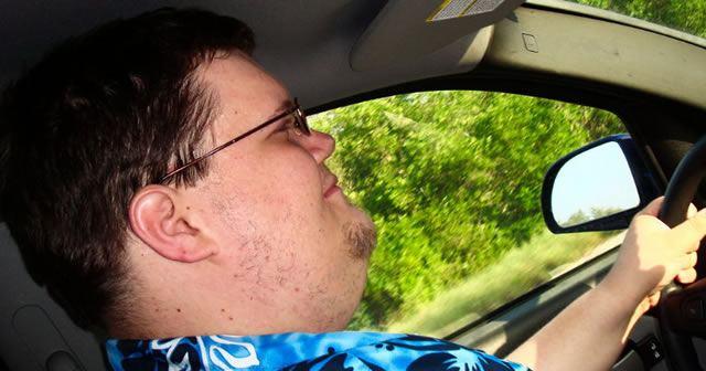 Диабетик управляет автомобилем