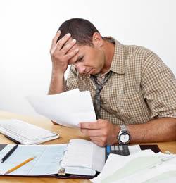 Человек утомленный обязанностями по работе